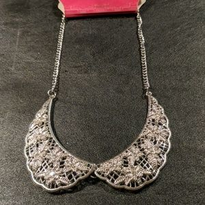 Candie's Silver Collar Necklace NWT
